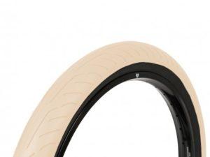 pneu-wethepeople-stickin-sandblack-sidewall